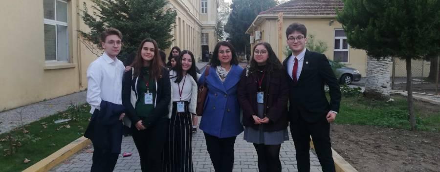 İzmir Atatürk Lisesi'nin düzenlediği Gençlik Çalıştayına katıldık