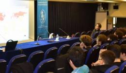"""10. sınıf öğrencilerimize yönelik """"Geleceğinİş Dünyası"""" konulu bir seminer düzenledi"""