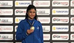 """Öğrencimiz Yasemin Zehra Börekçi """"Uzun Atlama"""" branşında Türkiye Şampiyonu oldu."""